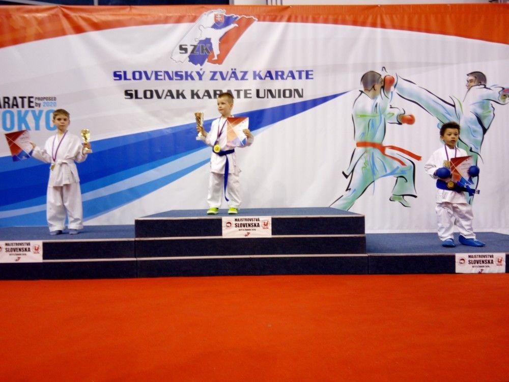 9 medailí z majstrovstiev Slovenska v Karate detí putuje do Žiliny, foto 3