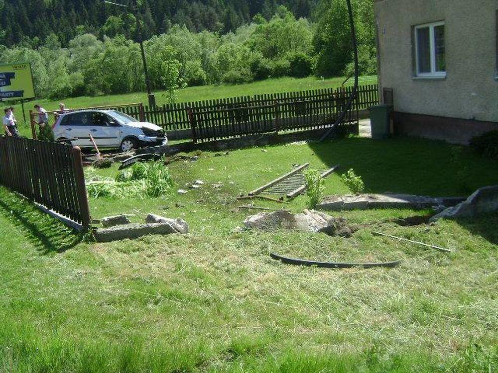 Dopravná nehoda v Porúbke 23.5.2016, foto 5