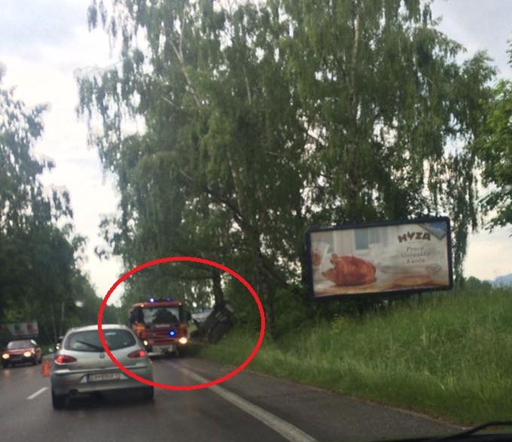 Dopravná nehoda pri Mojšovej Lúčke 29.5.2016, foto 1