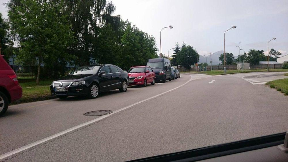 Blokovanie križovatky Obežná - Matice Slovenskej, foto 1