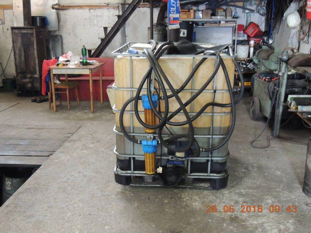 Pravdepodobne nelegálnu naftu skladoval podnikateľ v Strečne, foto 1
