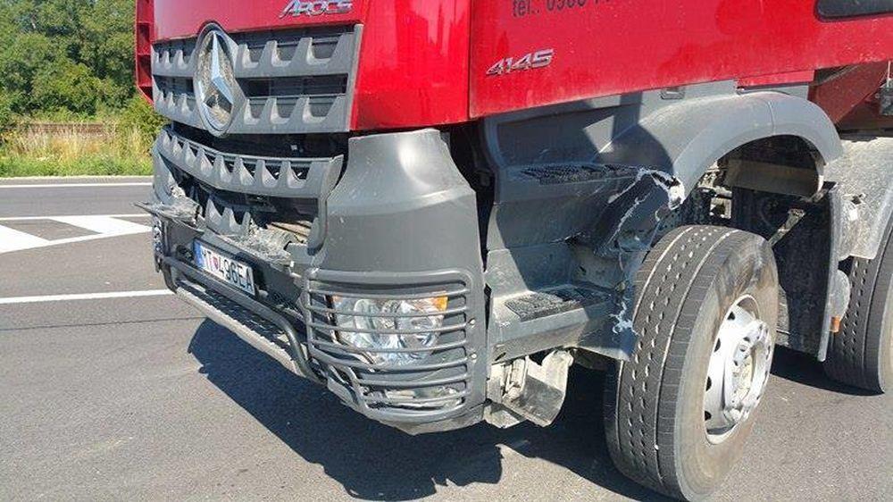 Dopravná nehoda v okrese Martin - motocyklista a nákladné auto, foto 2