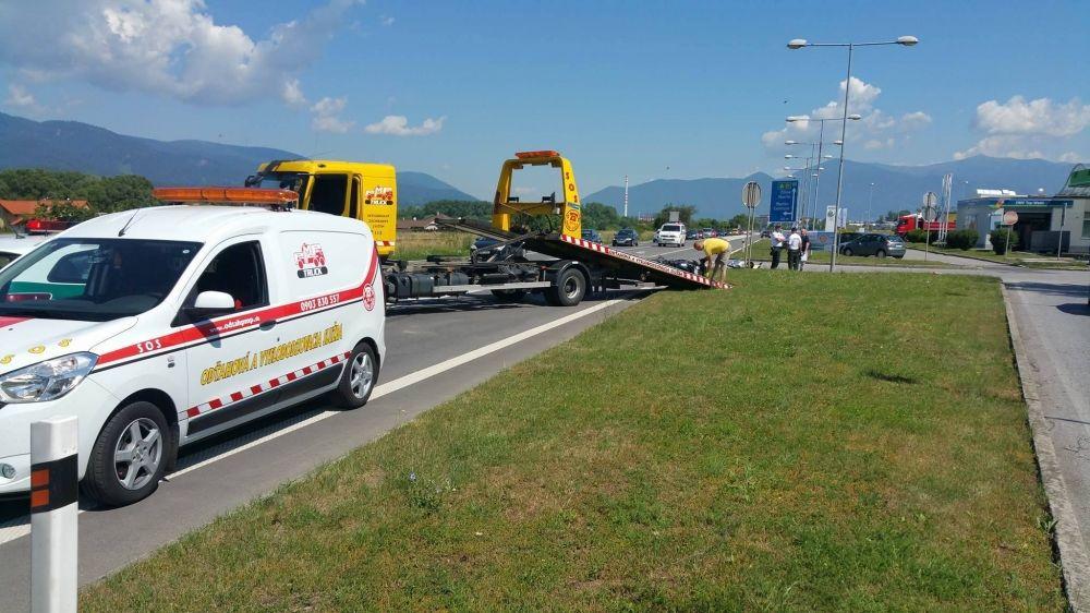 Dopravná nehoda v okrese Martin - motocyklista a nákladné auto, foto 3