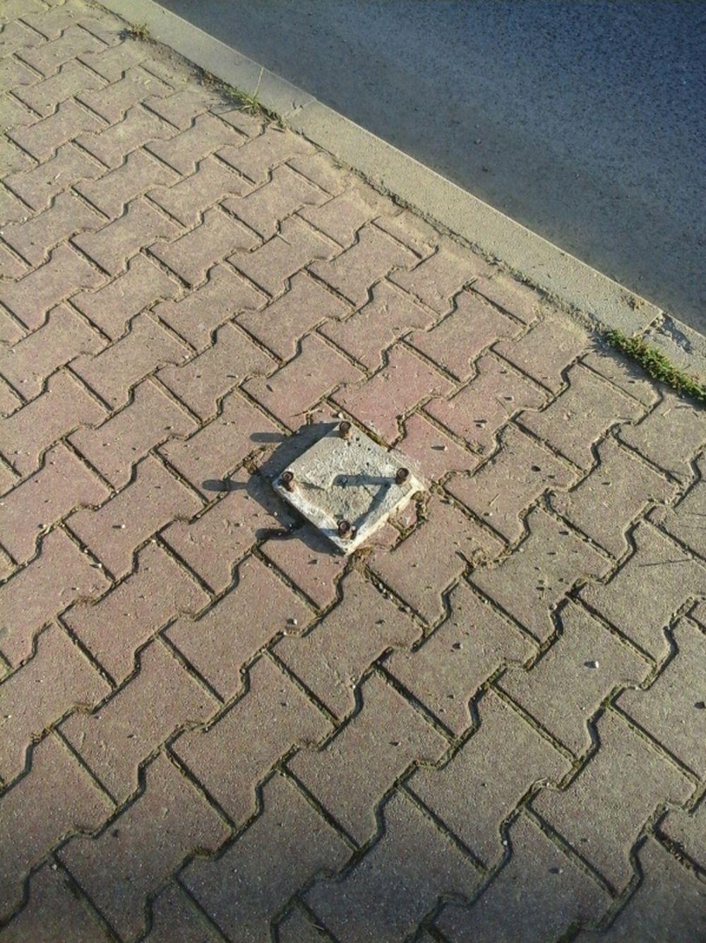 Výbežky na chodníkoch ul. Vysokoškolákov Žilina, foto 3