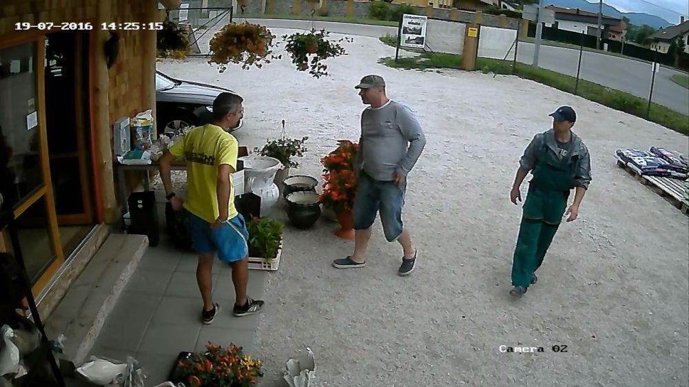 Krádež v záhradníctve v Rajeckých Tepliciach, foto 2