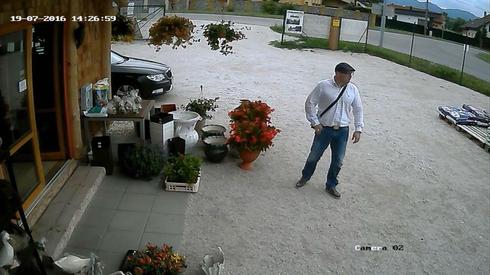 Krádež v záhradníctve v Rajeckých Tepliciach, foto 5