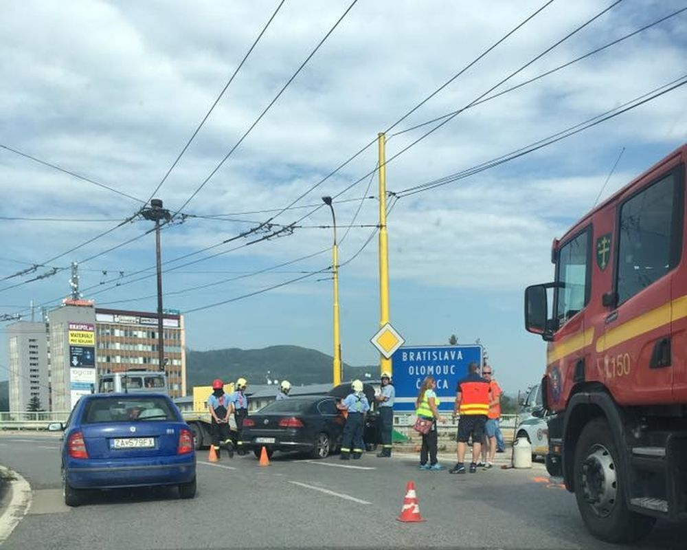 Dopravná nehoda Žilina, Rondel - 27.7.2016, foto 1