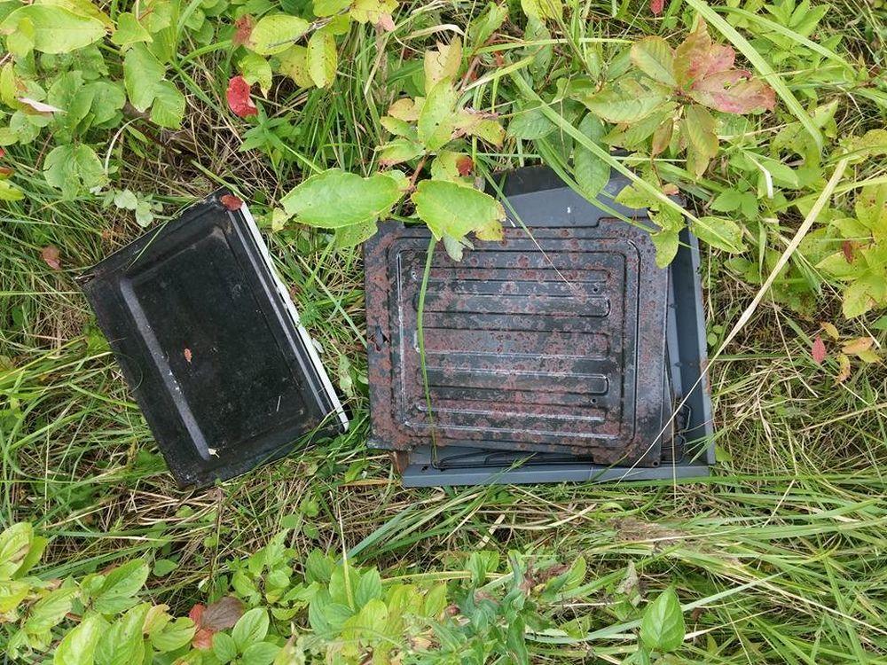 Elektroodpad v prírode v Trnovom, foto 2