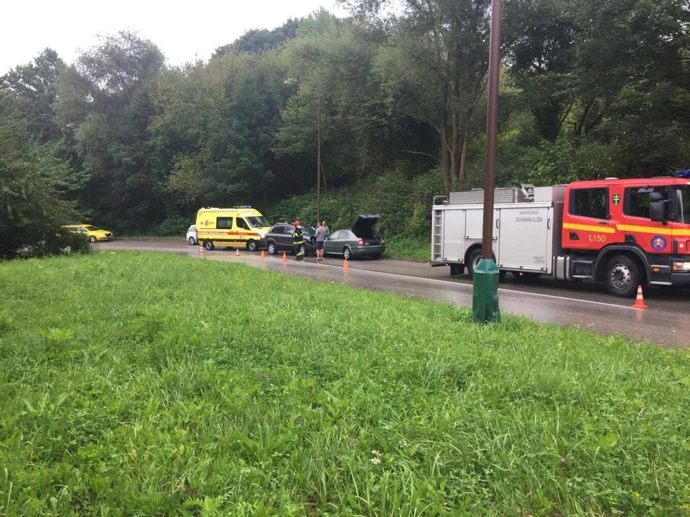 Dopravná nehoda Kvačalova - 21.8.2016, foto 3