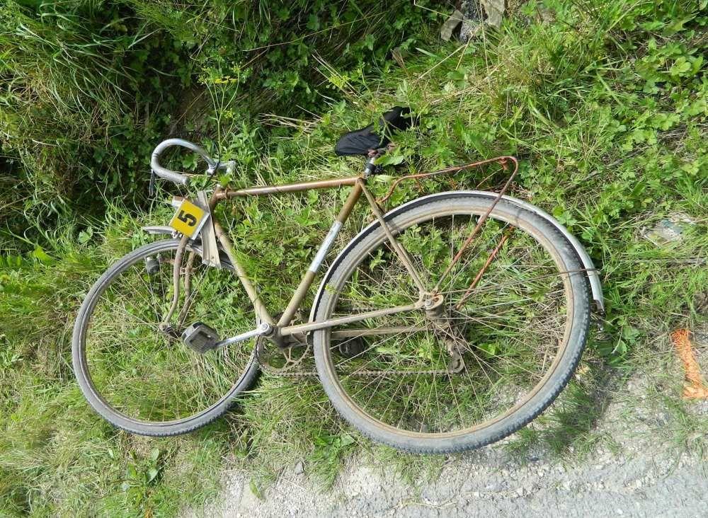Dopravná nehoda cyklistu a osobného auta, foto 1
