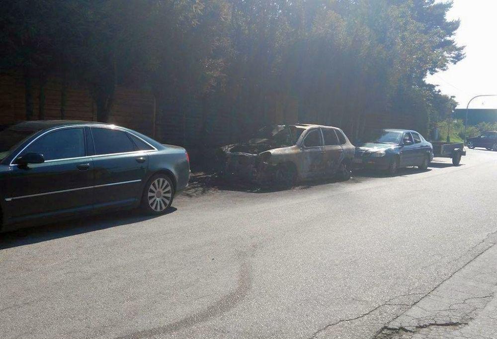 Vrak zhoreného vozidla v Budatíne, foto 3