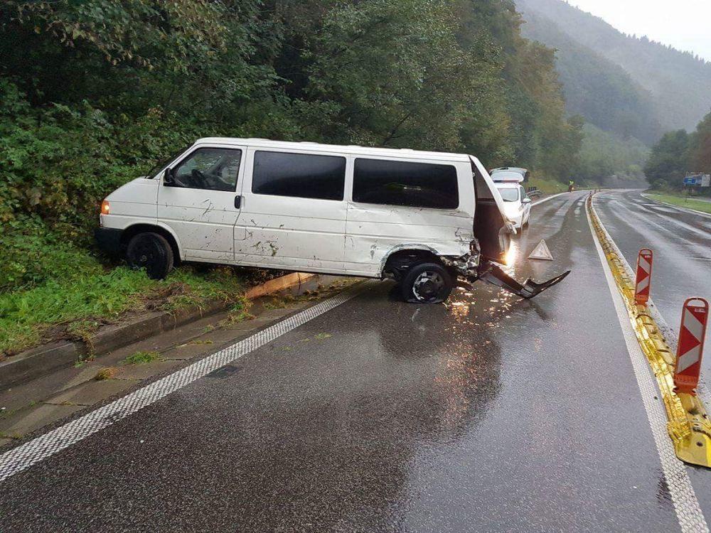 Dopravná nehoda pod Strečnom - 17.9.2016, foto 1