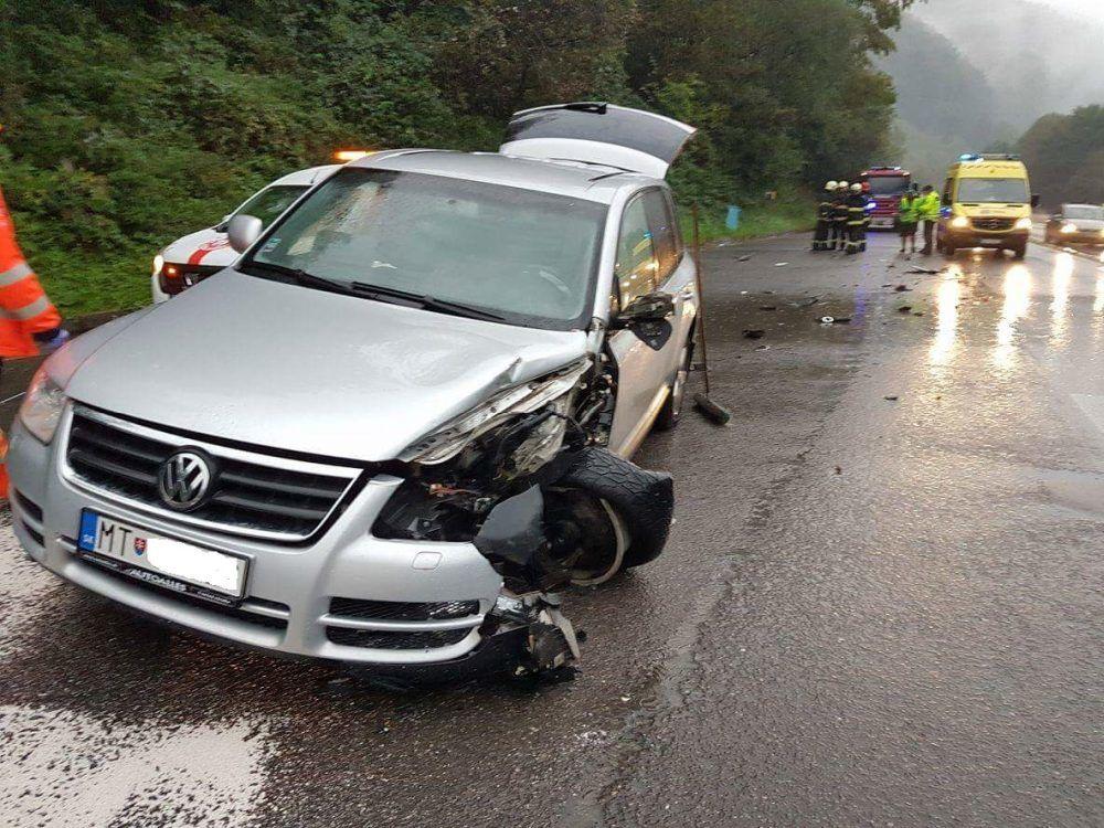 Dopravná nehoda pod Strečnom - 17.9.2016, foto 2