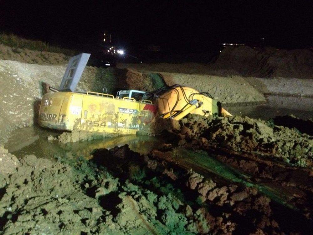 Vyprostenie zapadnutého bagra vo Varíne, foto 1