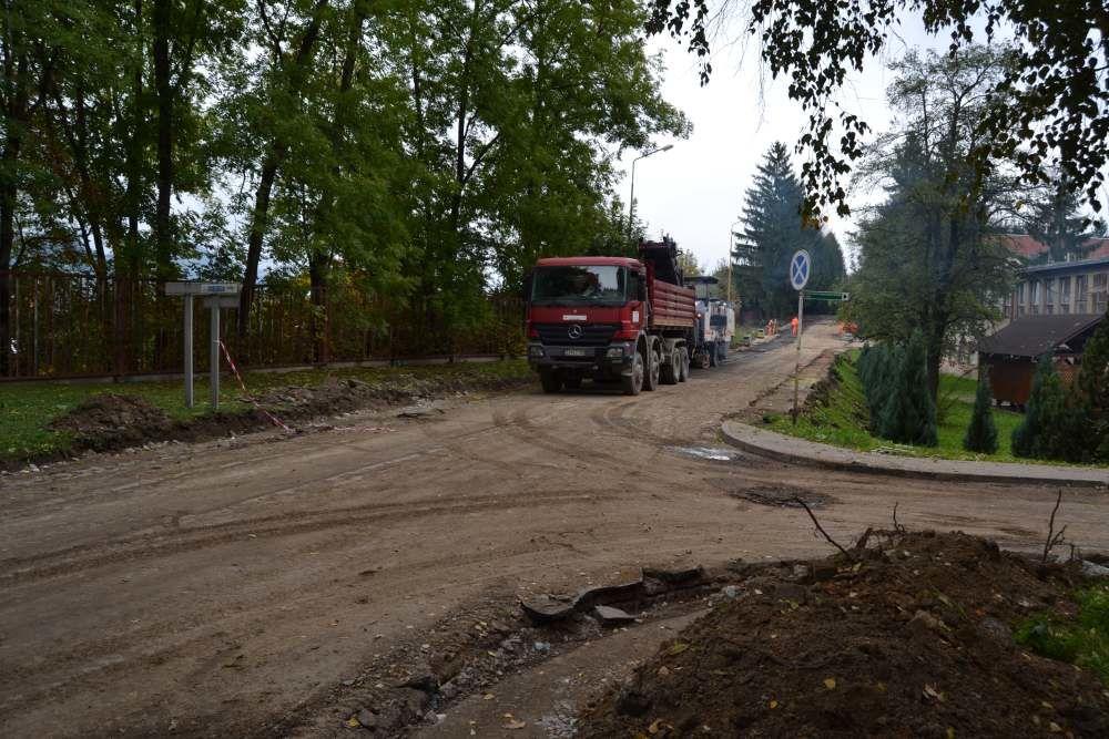 Práce na rekonštrukcii parkoviska v areáli žilinskej nemocnice, foto 2
