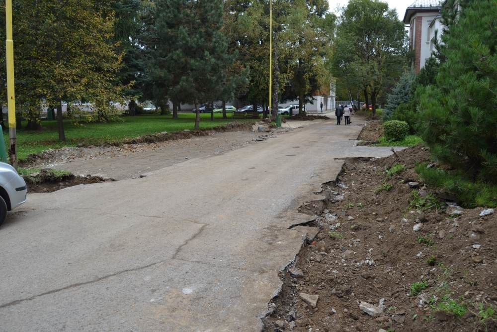 Práce na rekonštrukcii parkoviska v areáli žilinskej nemocnice, foto 7