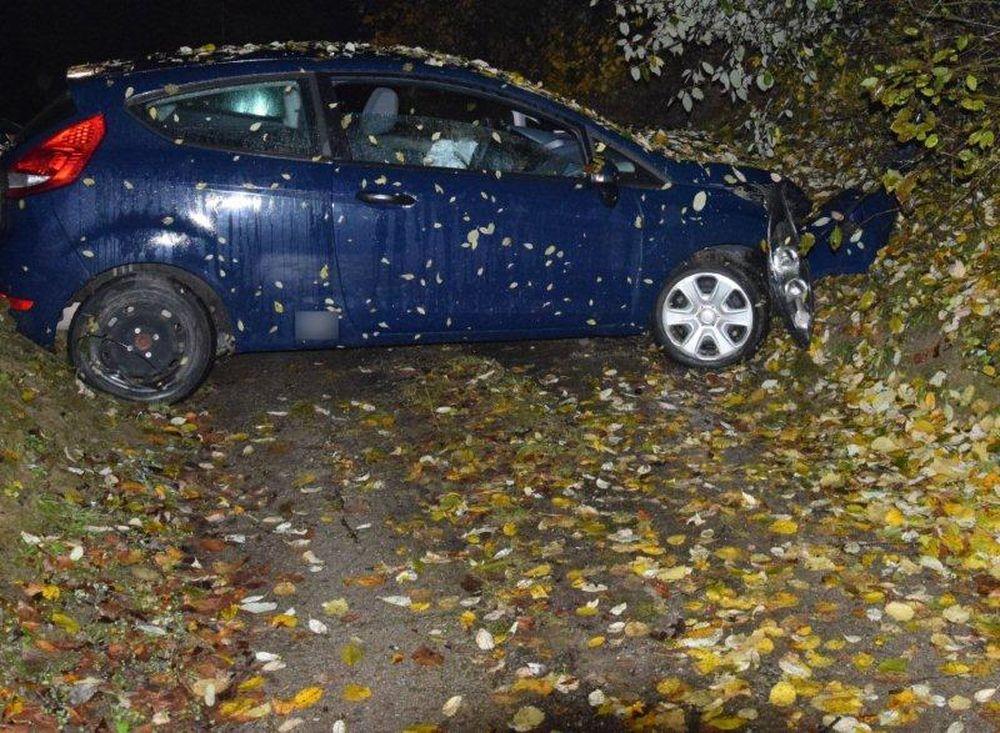Mladíci ukradli auto, najmladší mal len 14 rokov, foto 3