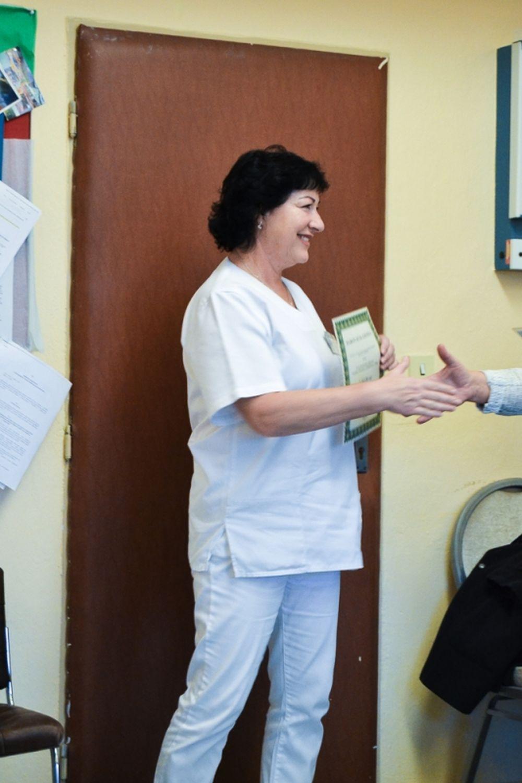 Žilinská nemocnica dostala do daru 140 vankúšov, 100 plachiet a nové infúzne dávkovače, foto 1