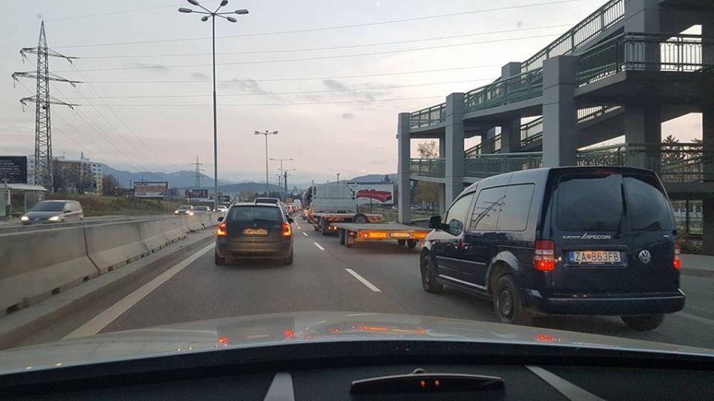 Dopravná situácia v Žiline 4.11.2016, foto 2