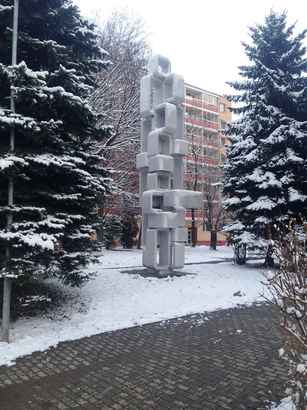 Očistená a zrekonštruovaná socha Bajzova ulica, foto 3