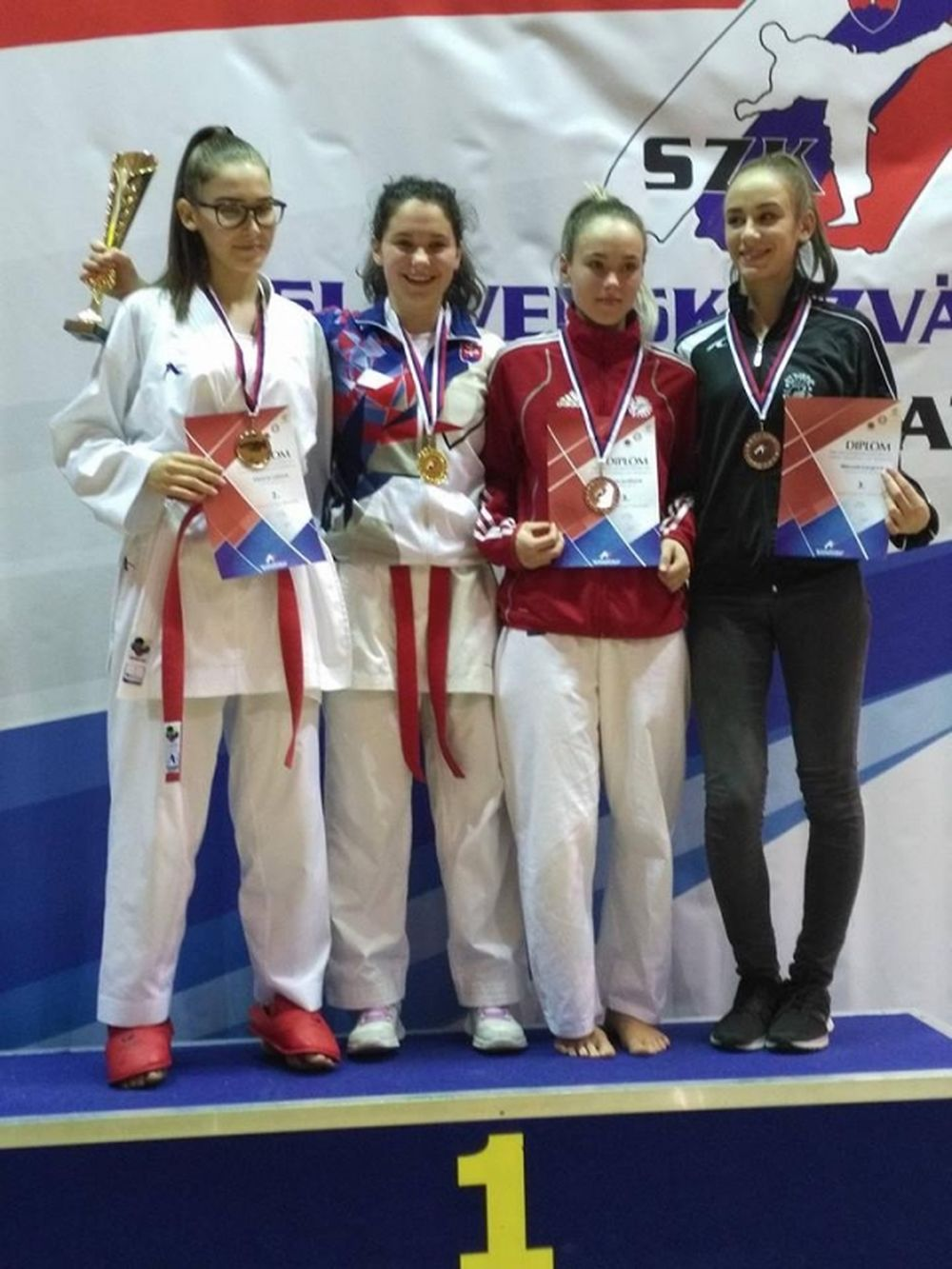 Úspechy Karate klub Žilina Trnava 3.12.2016 - 4.12.2016, foto 8