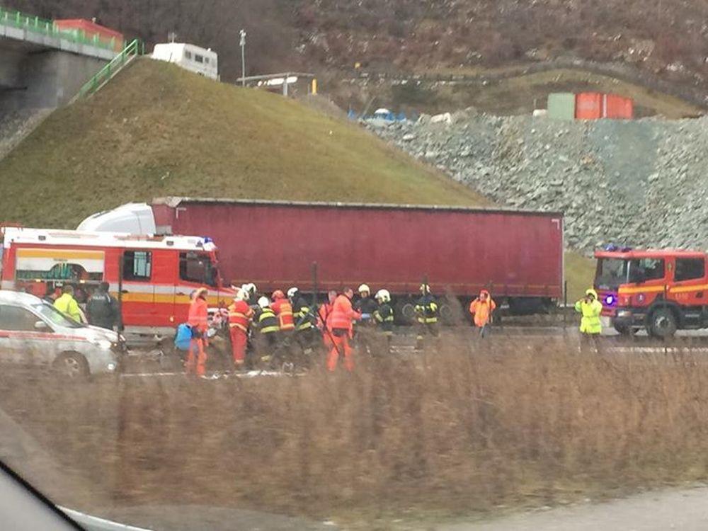 Dopravná nehoda za Vrútkami - 12.12.2016, foto 2