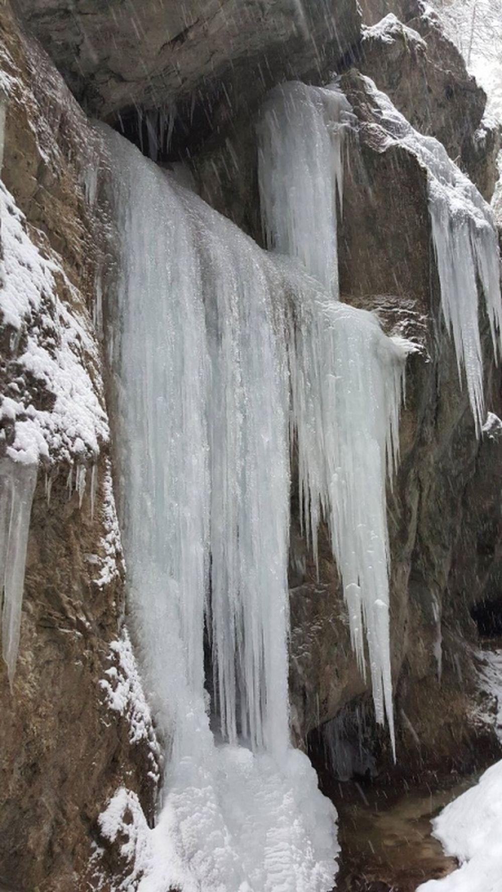 Zasnežená zima v Jánošíkových dierach 2016