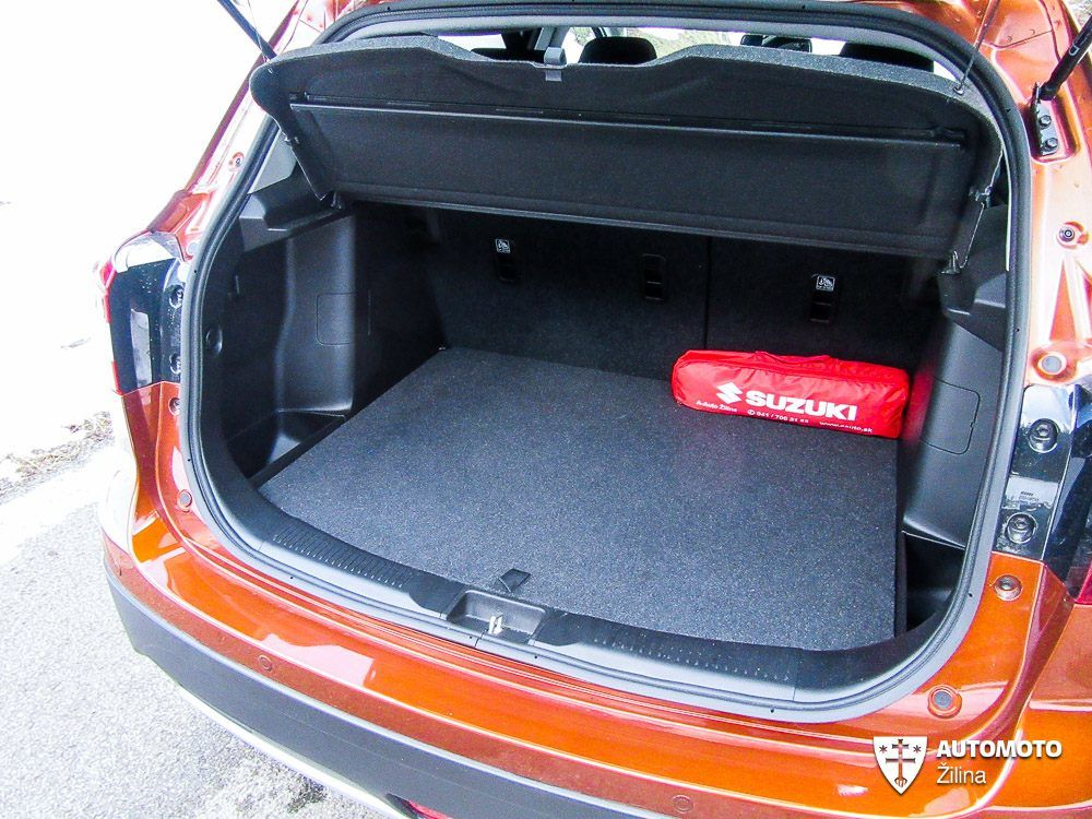 Redakčný test Suzuki SX4 S-Cross, foto 13
