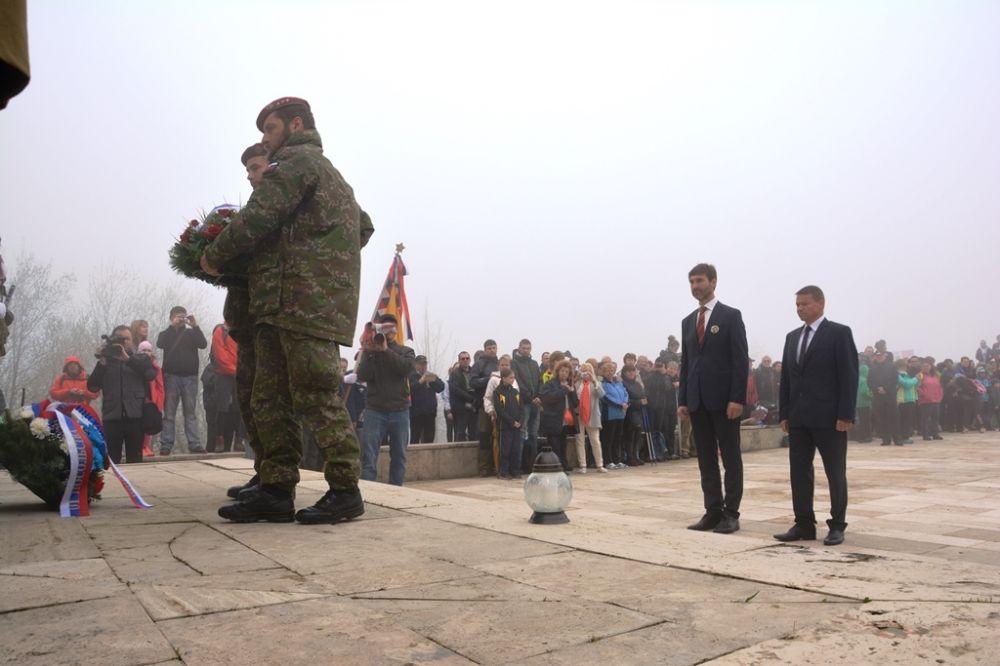 Oslavy 72. výročia ukončenia vojny pri pamätníku na Polome, foto 3