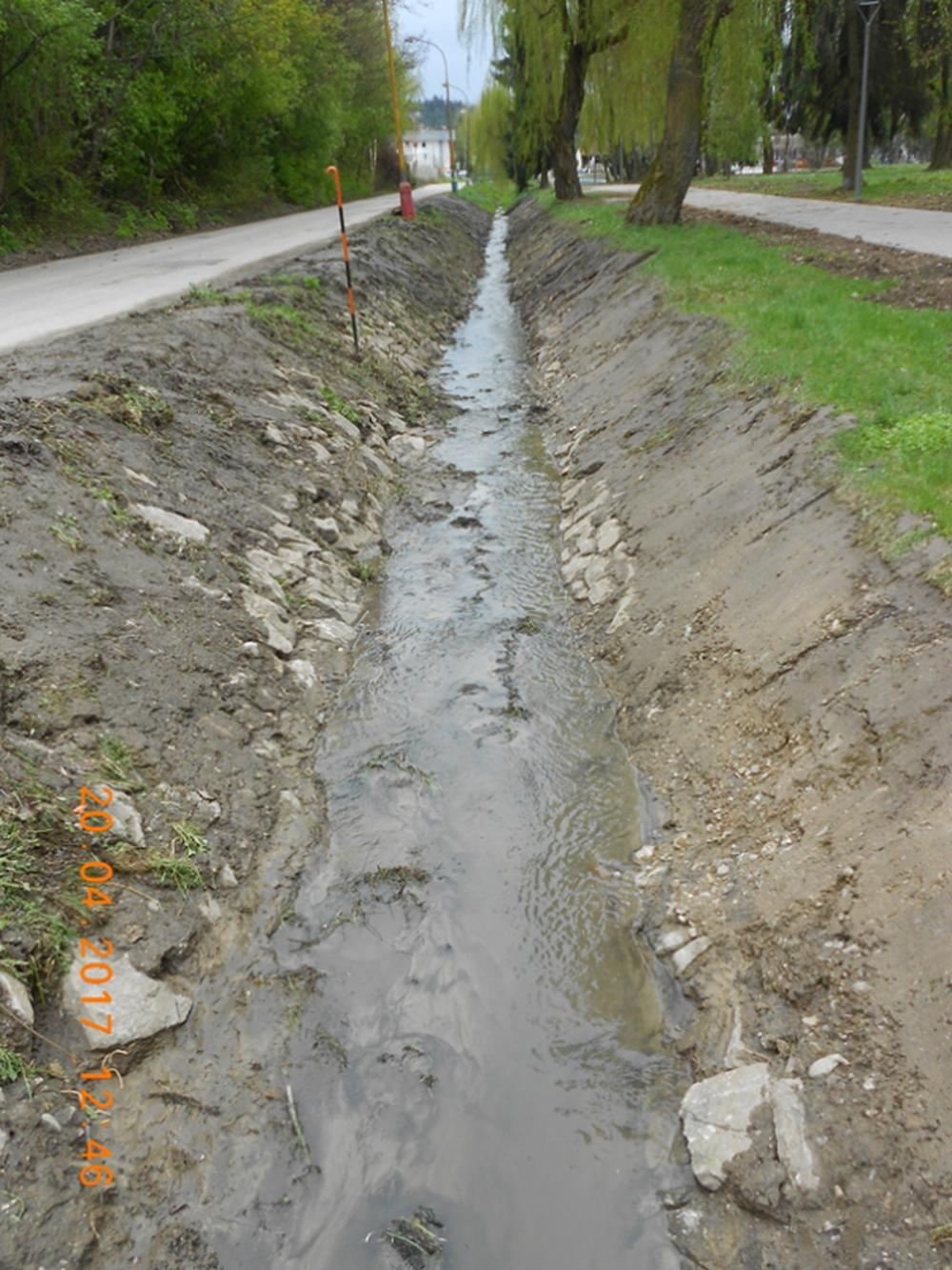 Čistenie brehov potoka Všivák, foto 2