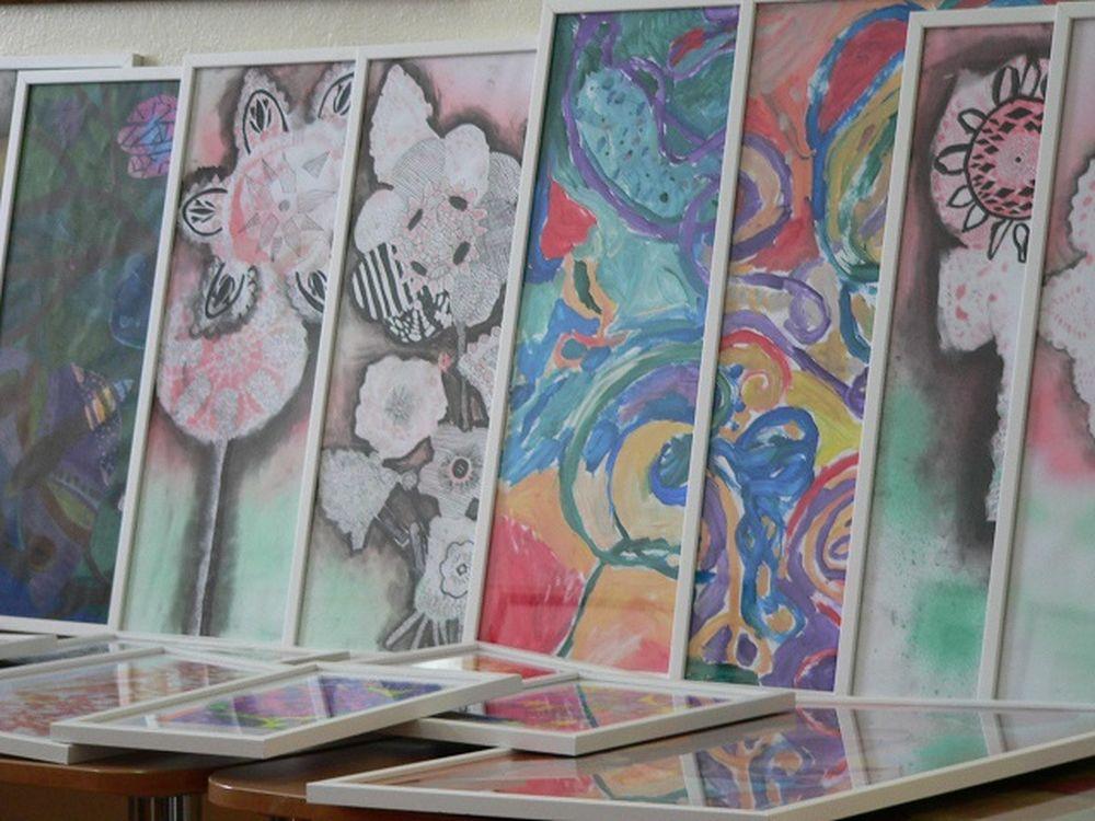 Umelecky nadané deti skrášili obrazmi FNsP Žilina, foto 2