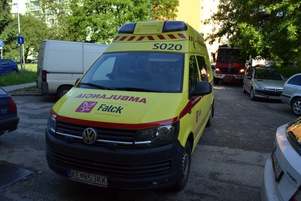 Vlčince, ulica Tulská: muž spáchal samovraždu, jeho matku dobodali, foto 2