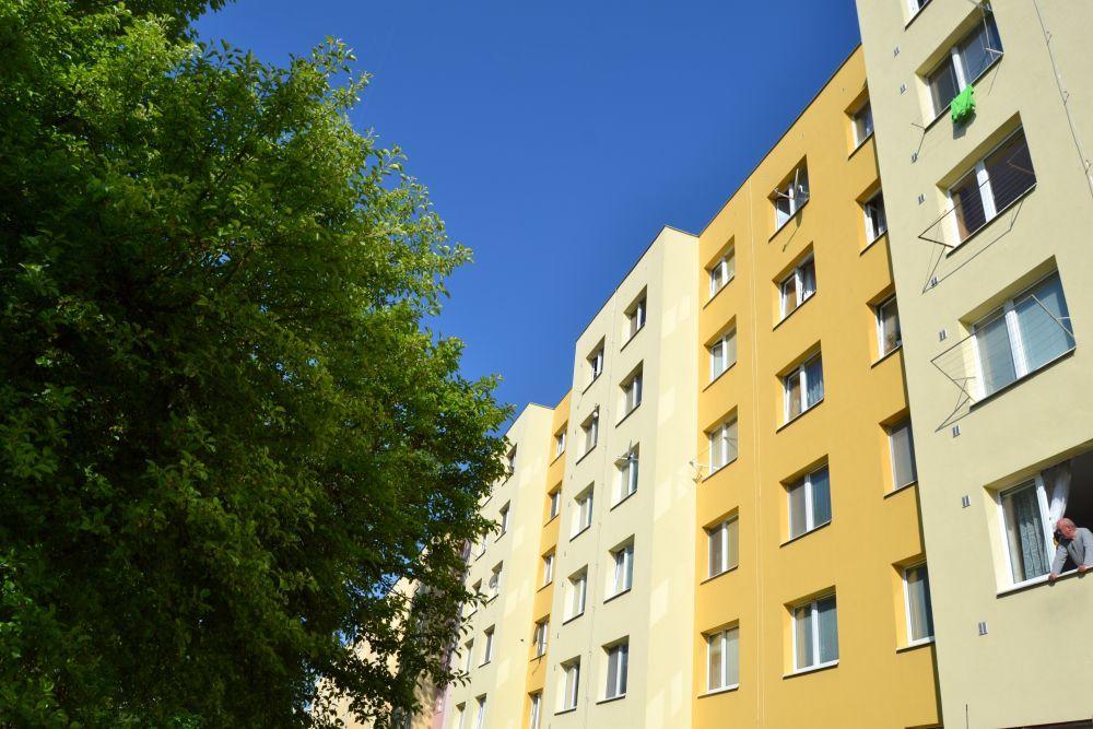 Vlčince, ulica Tulská: muž spáchal samovraždu, jeho matku dobodali, foto 7
