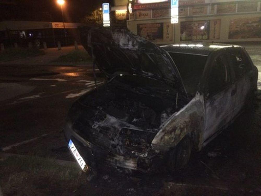 Požiar osobného auta - Hliny 12.6.2017, foto 2