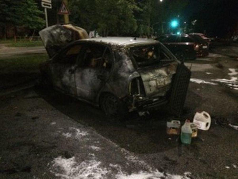 Požiar osobného auta - Hliny 12.6.2017, foto 3