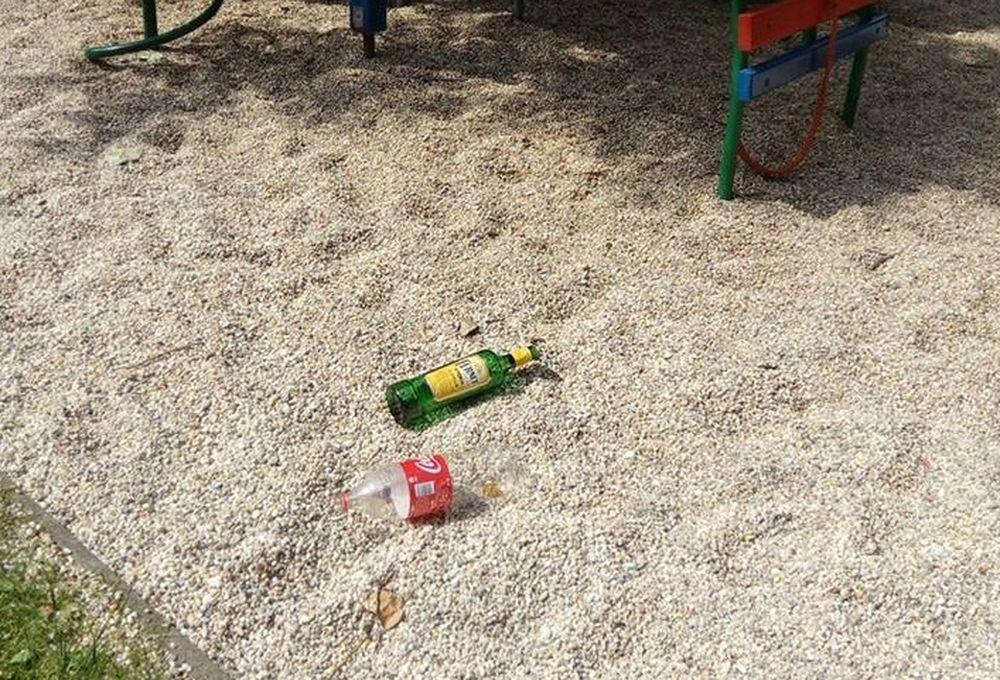Neporiadok na detskom ihrisku Rosinky, foto 2
