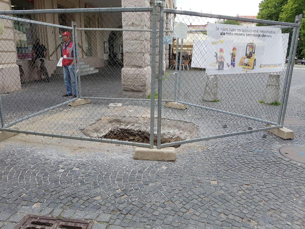 Výkopové práce v centre mesta - 26.6.2017, foto 1