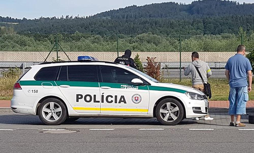 Policajná razia na diaľnici D1, odpočívadlo Predmier - 14.7.2017, foto 2