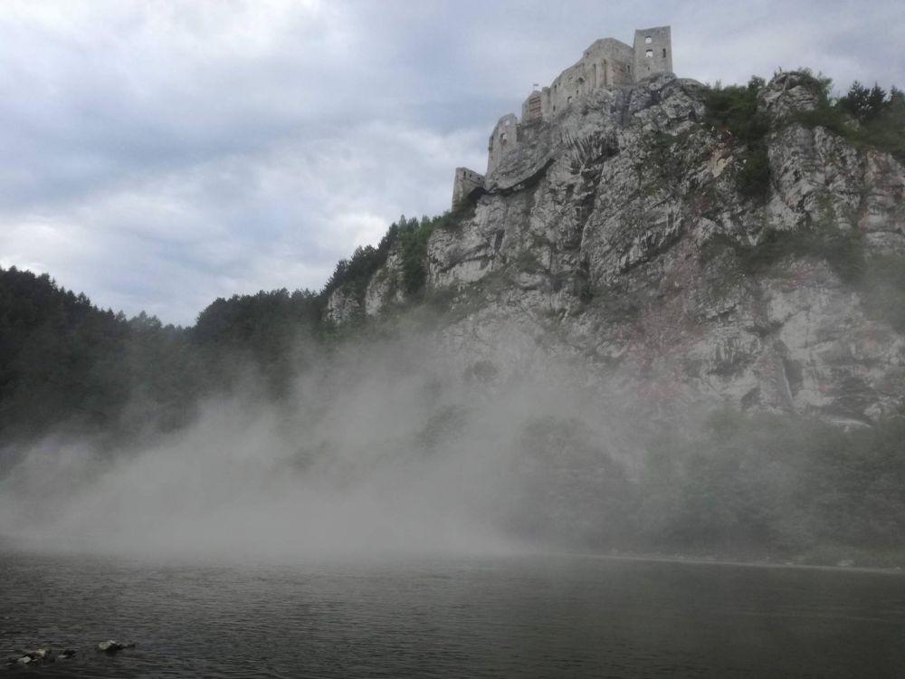 Zosun skalného masívu pod Strečnom - 18.7.2017, foto 5