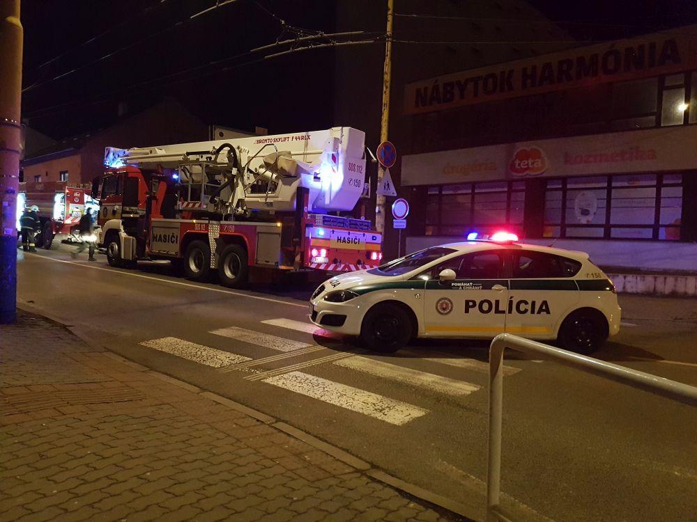 Požiar Okresnej kancelárie SMER-SD Žilina, foto 1