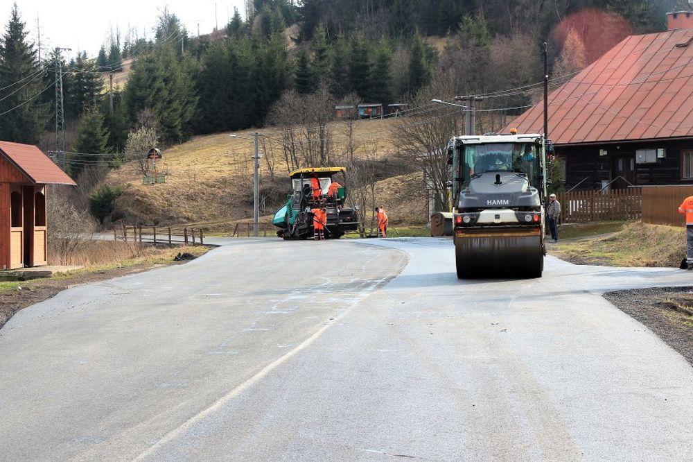 Vyasfaltovaná cesta Oravská Lesná, foto 1