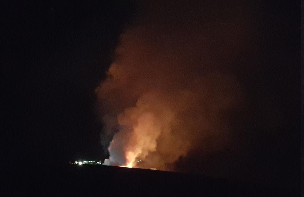 Nočný požiar pri obci Rosina 22.4.2018, foto 2
