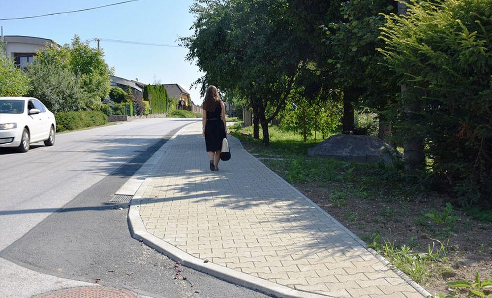 Nové chodníky v mestských častiach Budatín a Solinky, foto 1