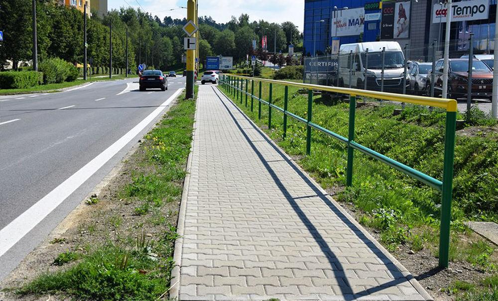 Nové chodníky v mestských častiach Budatín a Solinky, foto 2