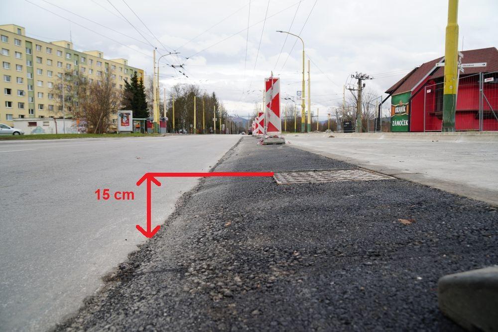 Problémy po rekonštrukcií prvých zastávok MHD v Žiline, foto 3