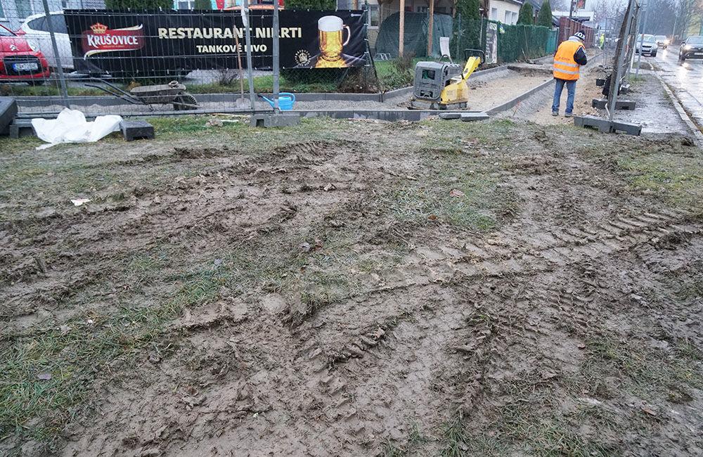 FOTO: Výstavba chodníka a cyklochodníka na sídlisku Solinky, foto 8