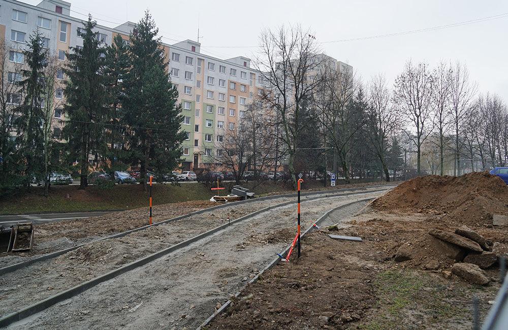 FOTO: Výstavba chodníka a cyklochodníka na sídlisku Solinky, foto 1