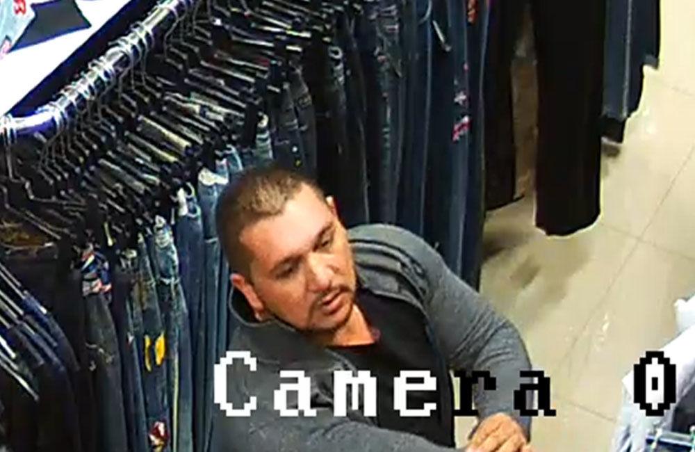 Krádež oblečenie v Liptovskom Mikuláši 15.11.2018, foto 1
