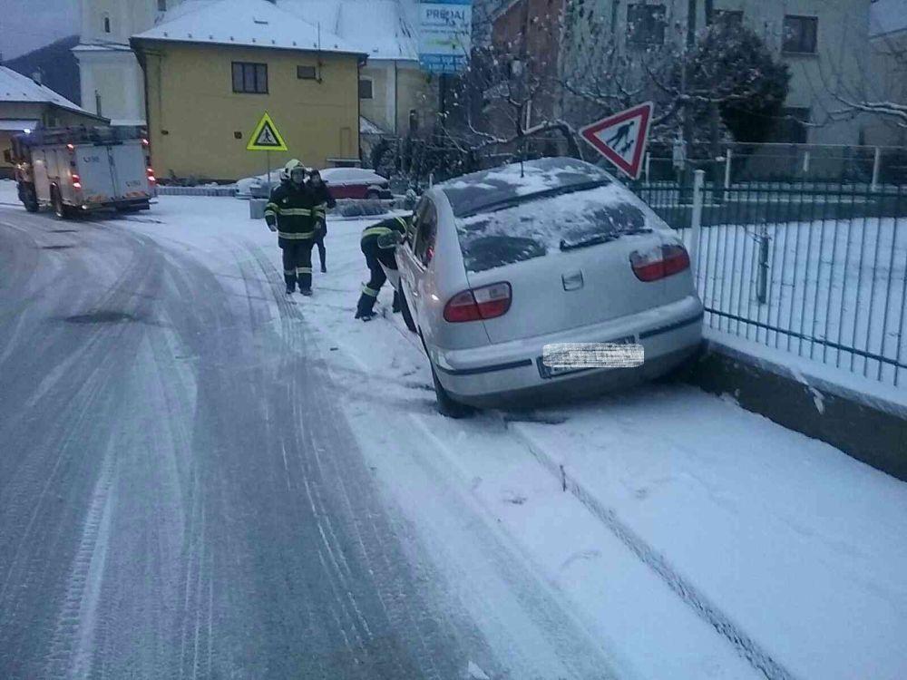 Zásahy hasičov v Žilinskom kraji v súvislosti s nepriaznivým počasím 3.1.2019, foto 2