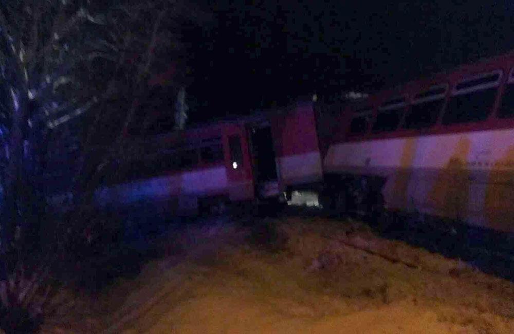 Nehoda osobného vlaku a kamióna v obci Podvysoká, okres Čadca - 10.1.2019